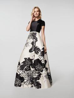 4771189cb356 Global - vestido fiesta falda gran volumen mikado estampado - Pronovias