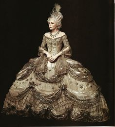 """""""Costume worn by Norma Shearer in """"Marie Antoinette,"""" 1938. Costume design by Adrian. LACMA 💛💛💛"""" Marie Antoinette Movie, Marie Antoinette Costume, Vintage Dresses, Vintage Outfits, Vintage Fashion, Historical Costume, Historical Clothing, Old Dress, Moda Medieval"""