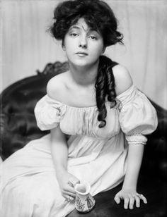 Gertrude Käsebier, Miss N. (Evelyn Nesbit), 1902