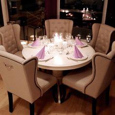 Fru Lin spisestuestoler fra Krogh Design. www.krogh-design.no Dining Room, Dining Table, Furniture, Design, Home Decor, Dinner Room, Homemade Home Decor, Diner Table, Dinning Table Set