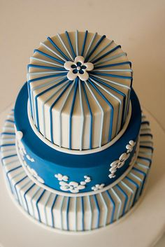 Asul (blue) cake by Rouvelee's Creations...love the fondant stripes!