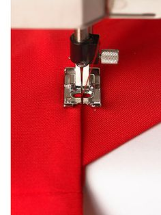 Sew red. (Photo on fStop by Ludger Paffrath) #photography #crafts #sewing