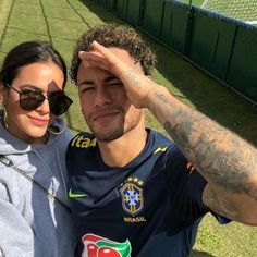 Imagem de brazilian, couple, and football - Today Pin Cute Soccer Couples, Cute Couples Goals, Neymar Football, Football Boys, Gareth Bale, Lionel Messi, Soccer Girlfriend, Neymar Jr Tattoos, Bruna Marquezine And Neymar