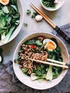 Bok Choy and Pork Soba Noodle Bowl | The Healthy Hunter Mince Recipes, Pork Recipes, Easy Asian Recipes, Healthy Recipes, Ethnic Recipes, Bok Choy Recipes, Chinese Cooking Wine, Pork Mince, Kitchens