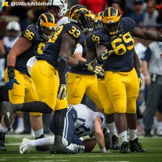 After another impressive performance, the Michigan defense has allowed just seven points in the past 11 quarters. Michigan Athletics, Michigan Wolverines Football, University Of Michigan, Go Big Blue, How To Draw Hair, Ann Arbor, Motorcycle Jacket, Athlete, Champion