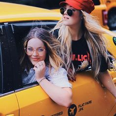 Stuck in traffic in a New York Minute! ❤️🚦I do love a themed twinny photoshoot! Dressing up as Mary-Kate and Ashley is so much fun! A New York Minute, Dress Up, Mary, Photoshoot, Photo And Video, Youtube, Fun, Instagram, Costume