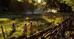 Alla vi barn i bullerbyn (1986). Lasse Hellström. Dreamy. Meadow. Plocka sju sorters blommor under kudden på midsommar.