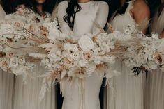 Neutral Wedding Flowers, Beige Wedding, Bridal Flowers, Boho Wedding, Floral Wedding, Wedding Colors, Dream Wedding, Wedding Day, Wedding Reception