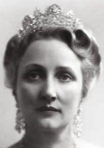 Tiara Mania: Queen Josephine of Sweden's Diamond Tiara