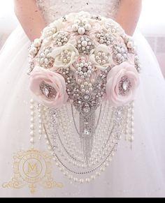 Blush pink Cascading ivory or white brooch bouquet glamour Broschen Bouquets, Wedding Brooch Bouquets, Bridesmaid Bouquet, Bouquet Toss, Boquet, Silver Brooch, Glamorous Wedding, Handmade Flowers, Our Wedding