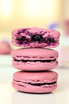 Macaron filled with Confiture de Cassis
