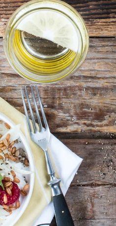 Lust auf einen luftig-leichten Sommersalat? Probieren Sie das Rezept für einen fruchtigen Fenchelsalat von REWE! Der darf an warmen Sonnentagen nicht mehr fehlen.  https://www.rewe.de/rezepte/fruchtiger-fenchelsalat/