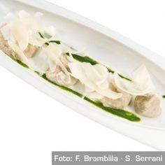 Ancestrale piacere, contemporanea esecuzione:  Macco di fave, crema di borragine selvatica, lamelle di Ragusano 10 mesi. Chef Corrado Assenza   http://www.identitagolose.it/sito/it/ricette.php?id_cat=12&id_art=630&nv_portata=4&nv_chef=&nv_chefid=&nv_congresso=