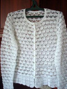 This post was discovered by Gü Diy Crochet Cardigan, Crochet Bolero Pattern, Black Crochet Dress, Crochet Coat, Crochet Cardigan Pattern, Crochet Jacket, Crochet Shawl, Crochet Clothes, Crochet Stitches For Blankets
