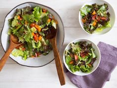 Green Salad With Tomatoes, Scallions, and Toasted Kasha Recipe Green Salad With Tomatoes, Scallions, New Recipes, Salad Recipes, Vegan Recipes, Kasha Recipe, Vegan Fried Chicken, Sweet Sticky Rice, Caprese Salat, Spring Salad, Different Vegetables