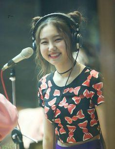 "kpop smiles on Twitter: ""sungyeon | pristin… "" Kpop Girl Groups, Korean Girl Groups, Kpop Girls, Pristin Kpop, Pledis Girlz, Fandom, Korean People, I Love Girls, Pledis Entertainment"