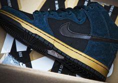 Nike SB Dunk High Pro | Navy & Gold