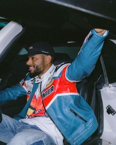 Black Boys, Black Men, Bryson Tiller Wallpaper, Fine Men, Chris Brown, Blue Aesthetic, Mode Style, Beautiful Men, Street Wear