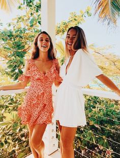 Pin by kimberly on pictures fashion, summer outfits, bff pic Best Friend Pictures, Bff Pictures, Friend Photos, Summer Pictures, Cute Photos, Bffs, Bestfriends, Matilda, Summer Outfits