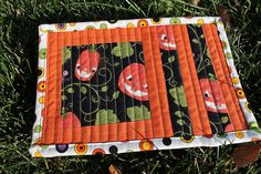 Halloween mug rug joyeux 1 via Flickr
