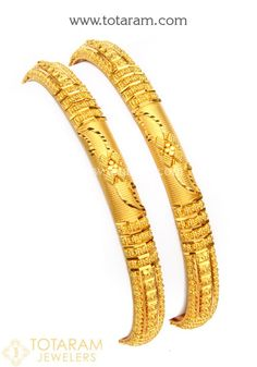 Gold Bangles for Women in Gold Gold Bangles For Women, Gold Bangles Design, Gold Plated Bangles, Gold Jewellery Design, Gold Jewelry Simple, Or Rose, Bangle Bracelets, Diamond Bracelets, Gold Ornaments