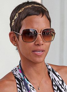Halle Berry Short Hairstyles does too on the tyra show but long hair does not bring out the diva in halle this flipped layered haircut is fierce on her makes me want a haircut No Matter How Styled Halle Berryalways Have Great Short Hair