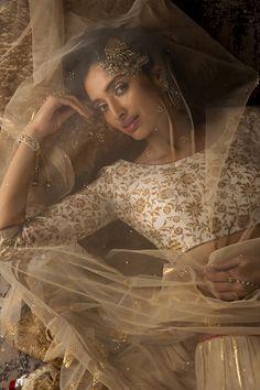 #anjumodi #ethnic #elegant #designer #shopnow #ppus #happyshopping