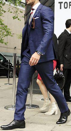 #navy#suit#strut