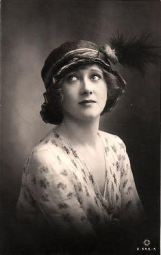 1920s vintage vogue