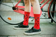 Happy Socks Gone Rouge - Hommes: Men's Style, Luxury & Product Design Happy Socks, Condoleezza Rice, Rubber Rain Boots, Red Socks, Classy Style, Mens Fashion, Outfits, Shoes, Google Search