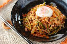 ビビン素麺 Home Recipes, Asian Recipes, Cooking Recipes, Healthy Recipes, Ethnic Recipes, Asian Noodles, Cafe Food, Desert Recipes, Food And Drink