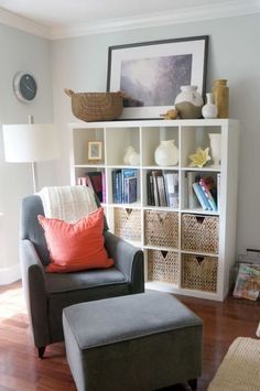 IKEA expedit bookcase now Kallax - something tall in the living room corner, hol. - Ikea DIY - The best IKEA hacks all in one place Ikea Expedit Bookcase, Expedit Regal, Kallax Shelving, Kallax Hack, Ikea Shelves, Shelving Units, Storage Units, Home Living Room, Living Room Decor