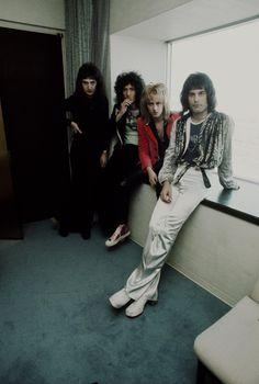 Freddie Mercury and Queen members in Tokyo in 1976