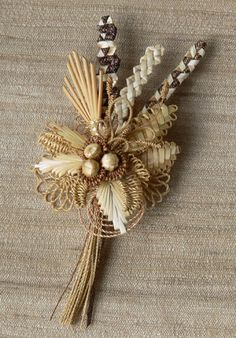 Swiss Straw Work Brooch, ©2008 Brigitte Kilchmann,  National Association of Wheat Weavers.