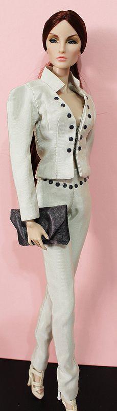 Fashion royalty Elise montaigne market