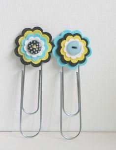 Felt flower jumbo paperclips (bookmarks)