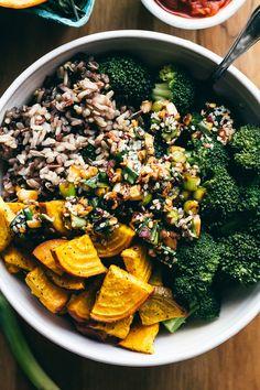 Spicy Asian Bowl of Goodness via @faringwellblog