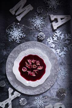 Wigilijny barszcz z pieczonych burakow i jablek z uszkami #mojadelicja #christmas #food #soup