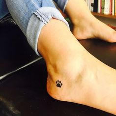You are looking for a tribal dog tattoo – which is awesome. Ideally your choice reflects your personal tastes and … girl tattoo Awesome Dog Tattoos Ideas For Dog Lovers Mini Tattoos, Cute Tattoos, Unique Tattoos, Beautiful Tattoos, Body Art Tattoos, Awesome Tattoos, Sexy Tattoos, Paw Print Tattoos, Pretty Tattoos