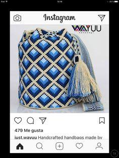 Crotchet Bags, Knitted Bags, Diy Crochet Patterns, Crochet Crafts, Tapestry Bag, Tapestry Crochet, Crochet Handbags, Crochet Purses, Cute Crochet
