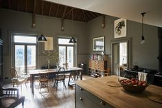 English kitchen/dining room: London theater designer Niki Turner's remodeled kitchen in a former billiard room in a historic house in Gloucestershire   Remodelista