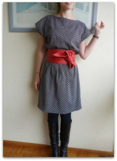Kimono dress - looks easy enough and flattering for a pear shape? Trendy Dresses, Simple Dresses, Nice Dresses, Shift Dresses, Kimono Diy, Kimono Dress, Sewing Clothes, Diy Clothes, Robe Diy