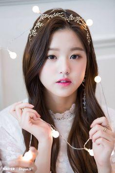"""IZ*ONE Wonyoung """"Dispatch Maknae Christmas"""" photoshoot by Naver x Dispatch Cute Korean Girl, Asian Girl, Young The Giant, Yu Jin, Wattpad, Woo Young, Japanese Girl Group, Jang Wooyoung, Ulzzang Girl"""
