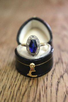 navy blue wedding engagement ring,wedding ring,navy blue wedding ideas,wedding colour inspiration,wedding theme,wedding colour palette