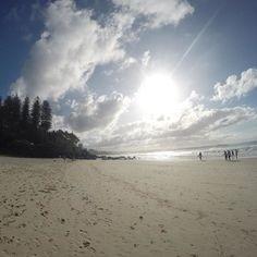 Good morning Snnaper Rocks #australia #goldcoast #gopro #snapperrocks #surf #surfing #quicksilver by alexferrertrainer
