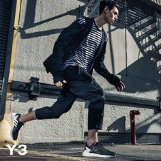 Entitled '3 Stripes in Motion', the Y-3 SS16 collection returns to the graphic simplicity of adidas' iconic 3 stripes logo and Yohji Yamamoto's early work. The idea of movement and motion is at the core of the spring offering, which manifests itself in four key motifs: fluidity, colour, light and print.