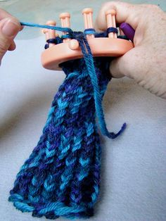 MAKE | Knifty Knitter Loom-Along: Alice Wrist Warmers – Let's Get Started!