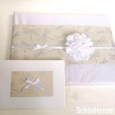 Geschenkverpackung zur Hochzeit / Wedding / Libellen / Dragonfly / http://schoenherum.de #geschenkverpackung #giftwrapping