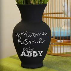 Such a cool gift idea! Chalkboard Vase. #DIY