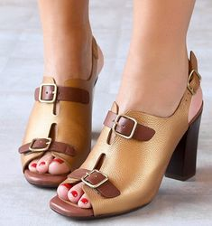 Chie Mihara shoes, sandals, blocs and boots. Buy now original, feminine footwear. Designer shoes of maximum comfort! Ugly Shoes, Sock Shoes, Shoe Boots, Dream Shoes, Crazy Shoes, Me Too Shoes, Girls Sandals, Shoes Sandals, Heels